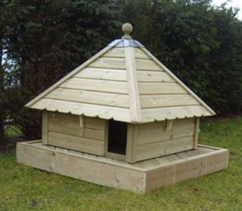 Aylesbury Square Floating Duck House, Waterfowl Nesting Box for Pond or Lake