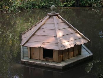 Medium Hexagonal Floating Duck House, Waterfowl Nesting Box for Pond or Lake
