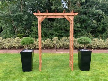 Grand Devonshire Arch - Fully Assembled